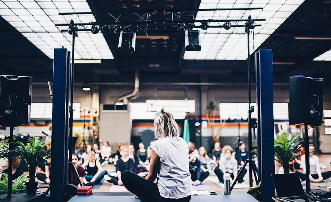 Know About The Battle Between Yoga & Gym