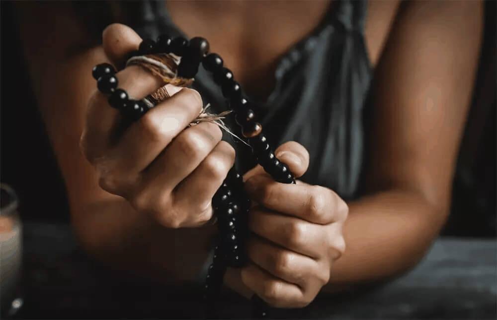 What is Vipassana Meditation Retreat & Its Process