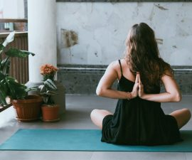 10 Amazing Benefits Of Vinyasa Yoga 2020