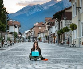 How-to-Become-a-Digital-Nomad-Digital-Nomad-Guide-2020