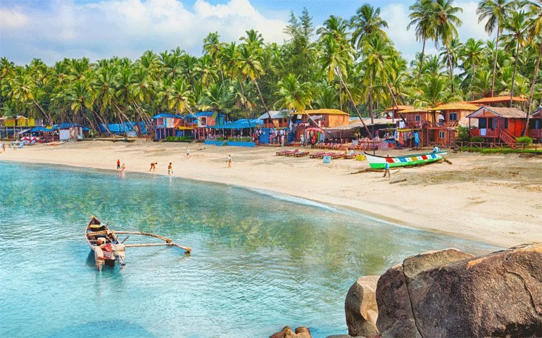 Palolem-Beach-Places-to-visit-in-South-Goa